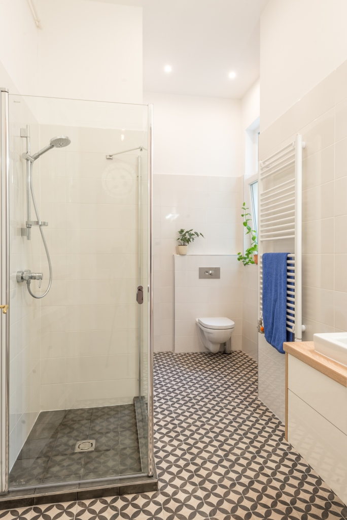 10-zuhanyzos-furdo